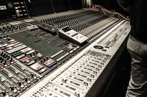 MIXING and MASTERING Course - Learn Music Production at
