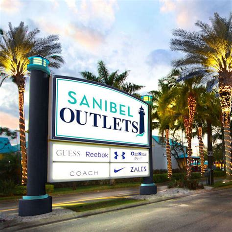Places To Shop Near Fort Myers: Stores, Boutiques, Malls